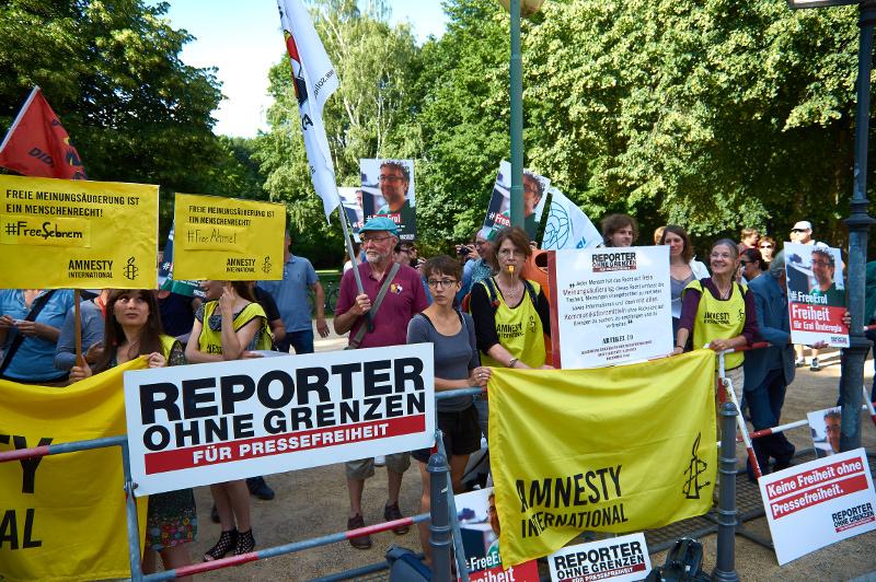 Protest vor der Türkischen Botschaft in Berlin, 27. Juni 2016 (Foto: Robert Ott)