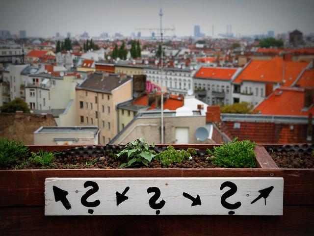 Der Blick vom Klunkerkranich in Neukölln (Foto: Andreas Lehner, Lizenz: CC-BY SA 2.0)